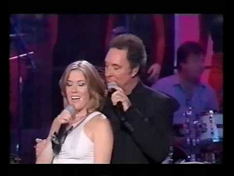 Tom Jones & Cerys Matthews - Baby Its Cold Outside (Live)