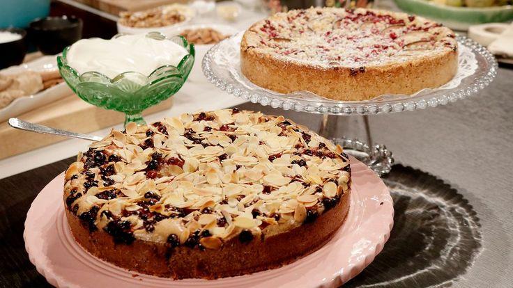 Härligt koladoftande och kladdig kaka med magisk smakbrytning av lingon, päron och ingefära. Allt blandas i samma bunke – minimalt med disk, maximalt med smak.