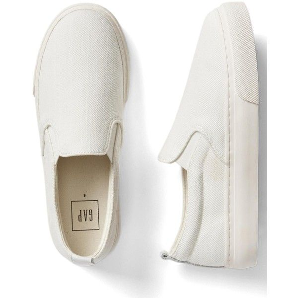 Gap Women Denim Slip On Sneakers (100 BRL) ❤ liked on Polyvore featuring shoes, sneakers, zapatos, sapatos, denim shoes, slip on trainers, denim sneakers, slip-on shoes and slip on sneakers