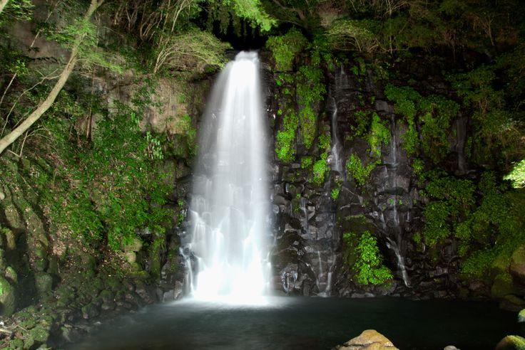 西原村夜の白糸の滝
