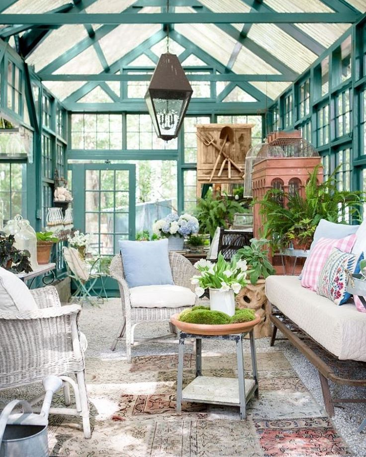 12 amazing DIY she shed and greenhouse