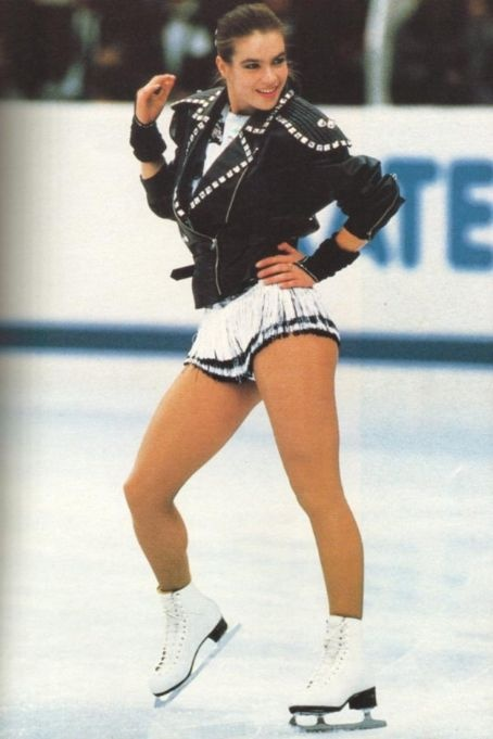 1988 - Katarina Witt performed 'BAD' by Michael Jackson.