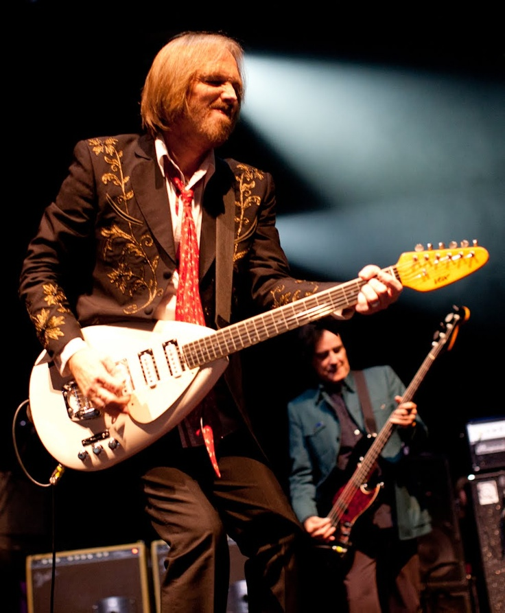 how to play tom petty refugee on guitar