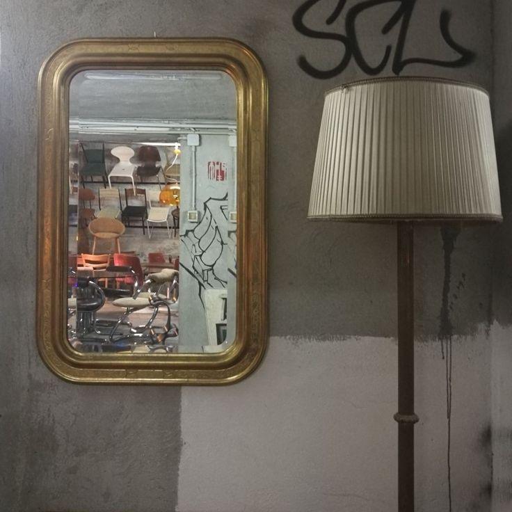 Specchio a vassoio in legno dorato a foglia d oro zecchino