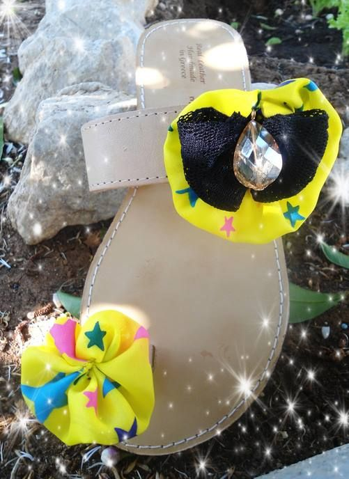 handmade sandals with yo yo flower applique #yoyo #sandals #summer #fabric #handmade #σανδαλια #διακοσμηση #girls