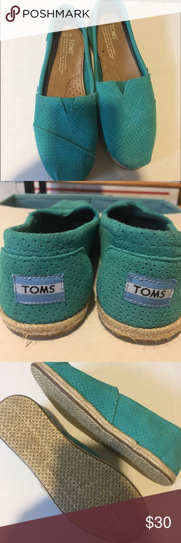 Toms shoes Pretty teal toms! Like new condition no flaws I have a toms bag I can ship in if you would like TOMS Shoes