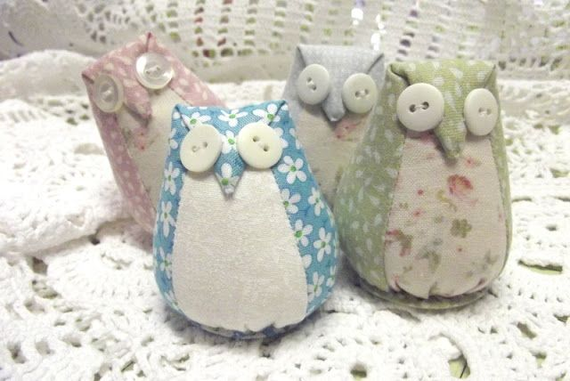 """Are you ready to make a little Owl Pincushion?          Requirements:   Two pieces of fabric (the largest one measuring at least 6"""" x 7"""") f..."""