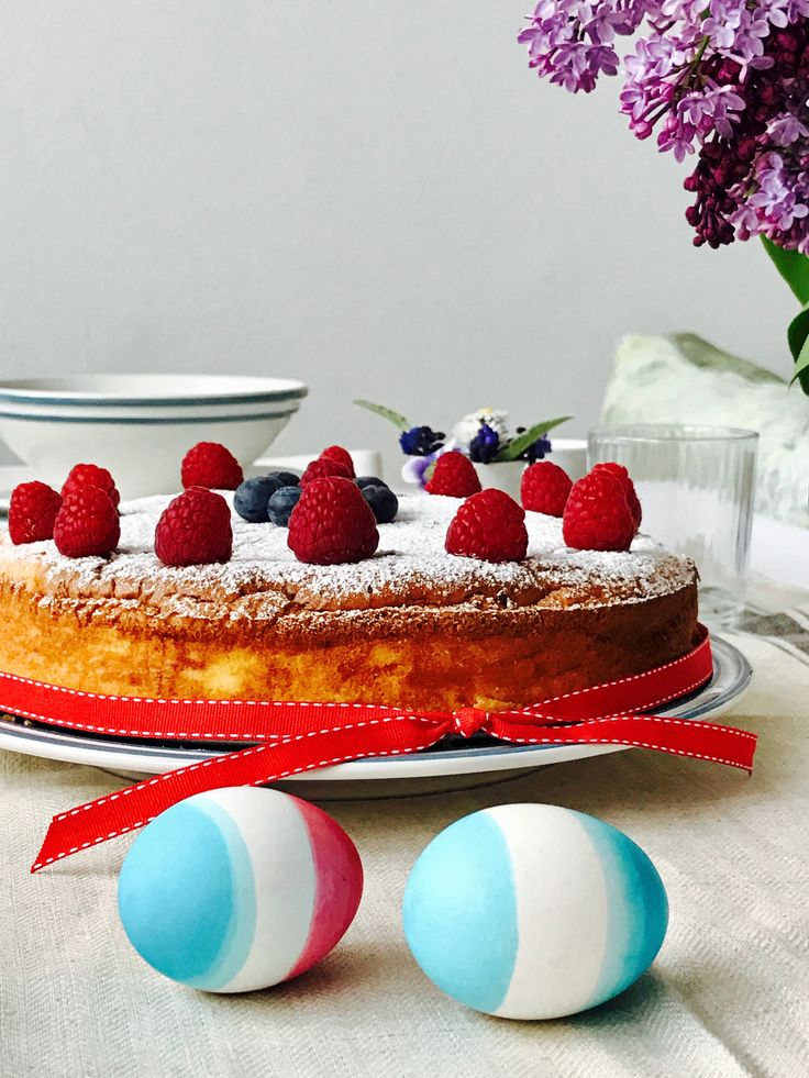 Pasca cu branza si zmeura/Raspberry cheese cake/ Oua de Paste/Easter eggs