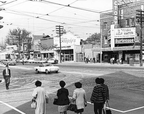 Vintage Toronto. Yonge and Dundas 1952.
