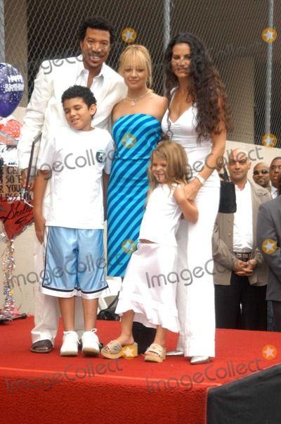 Lionel Richie and children.