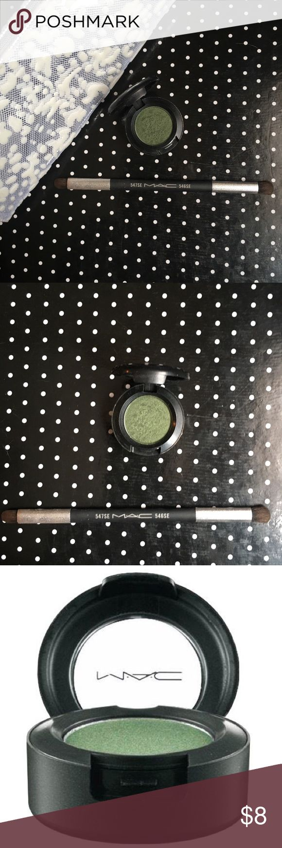 GUC MAC Eyeshadow in Humid Gorgeous Authentic MAC eyeshadow in humid used only a couple times. Sparkly 🌟 green color that is beautiful on the 👁. Bundle 3 makeup items for a free MAC makeup bag free with purchase (bag shown in picture). MAC Cosmetics Makeup Eyeshadow