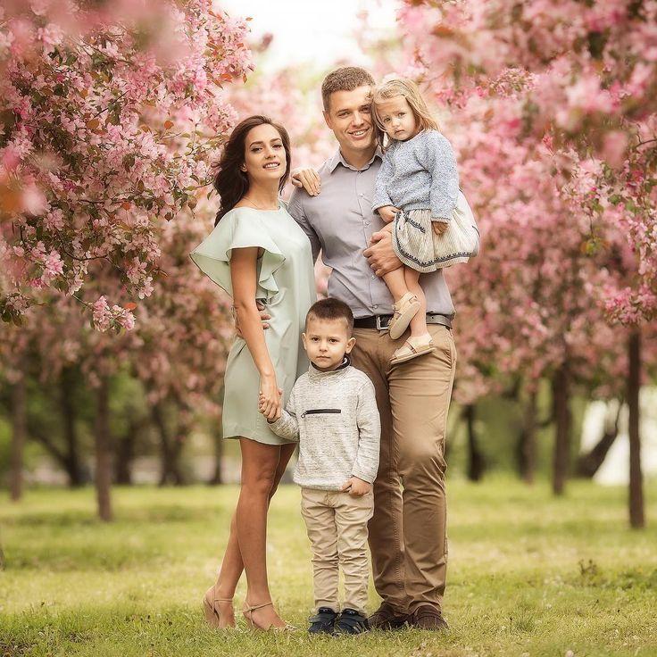 даже идеи для фотосессии семьи с двумя детьми сможете