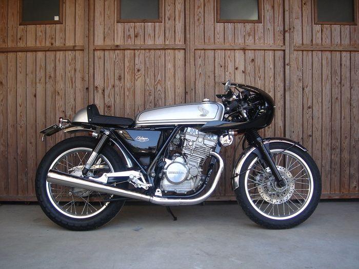 ホンダGB250クラブマンのRCレーサー風カスタム車両の画像を集めてみました。 ドリーム50のタンクとシートを流用。 I collect Honda GB250 clubman RC custom bike's picture. It uses dream 50's f...