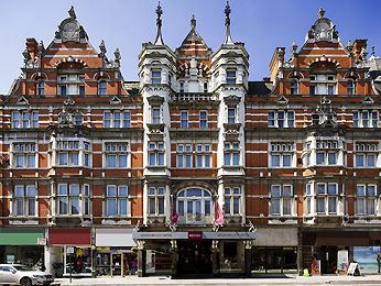 The great building of the Grand Hotel in Leicester.