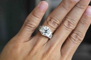 10 things to do the month you get engaged...For future reference!