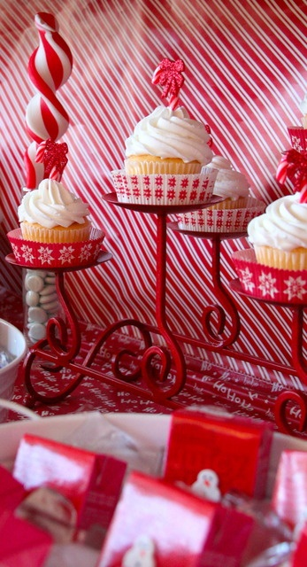 Pretty holiday cupcakes