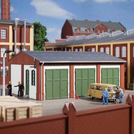 Entrepôt garage #HO #Auhagen A retrouver ici : http://www.latelierdutrain.com/les-entrepots-et-industries/100953-entrepot-garage-ho-187-auhagen-11438.html
