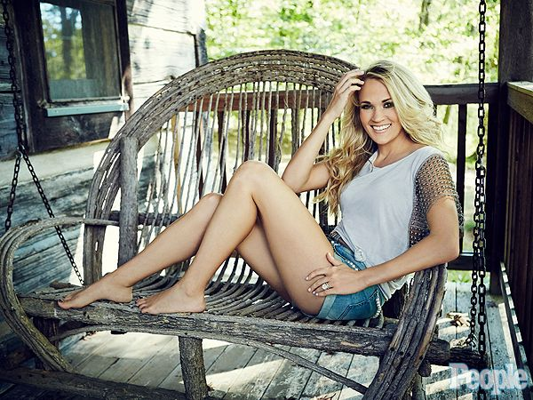 Carrie Underwood's Most Candid Interview Ever: 'Mom Guilt IsReal!' http://celebritybabies.people.com/2015/10/14/carrie-underwood-mom-guilt-breastfeeding-people-cover-story/