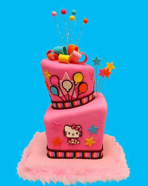 Hello Kitty Totts by Whimsy Cakes, via Flickr