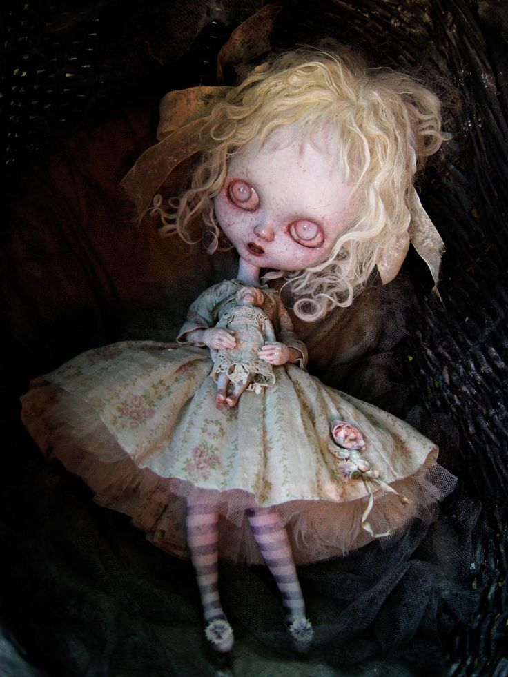 17 best images about blythe vintage on pinterest bristol for Creepy gothic pictures