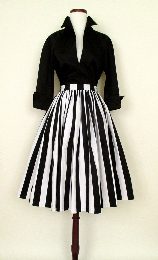 1950's Paris Skirt and Lauren Bacall Blouse, black + white I Fashion, Style, Mode, Kleidung, Schwarz, Weiß
