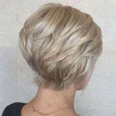 Layered Blonde Pixie Bob The right cut looks good from all angles. You don't see your style from the back all the time, but others do. A style that gracefully tapers towards the neck through feathered layers creates a thicker head of hair.