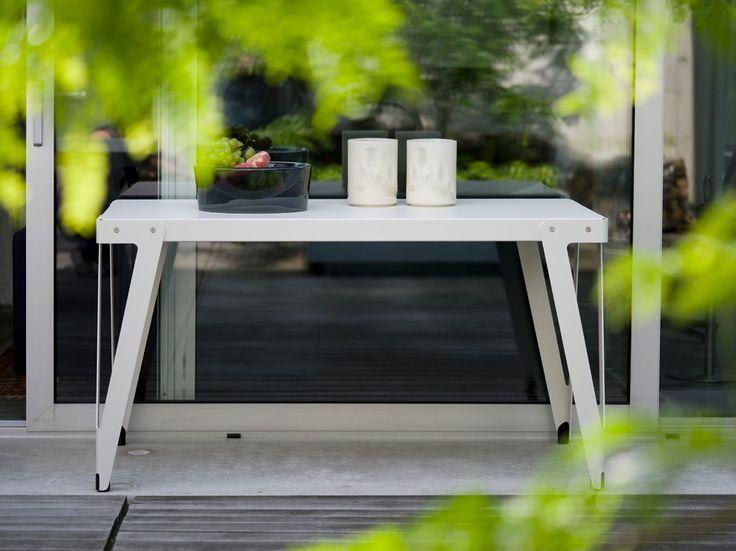 Functionals, Lloyd Table Outdoor in your garden! http://functionals.eu/products/tables/lloyd_table_outdoor