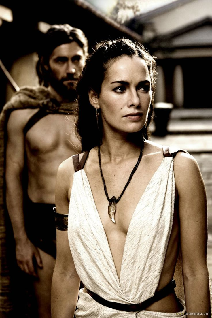 Spartan Queen Gorgo. Greek style dress i love all her costumes in this movie #300