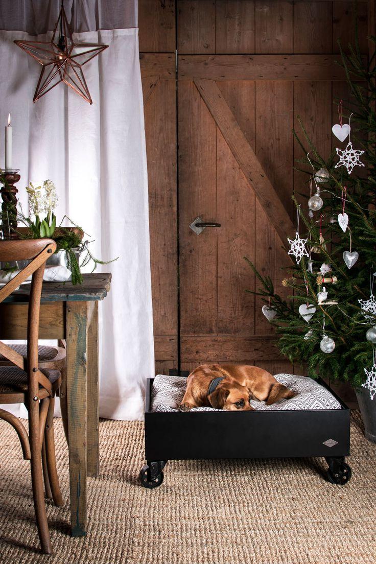 Julklappstips! Berga Svart hundbädd från Miwo Design
