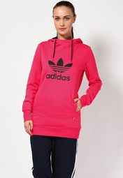 this pink coloured sweatshirt from Adidas will be a perfect pick. The stylishly printed brand name and logo on the front enhance the overall appeal of this hooded sweatshirt. Made from polyester, this regular-fit sweatshirt offers sweat-free comfort and will help you stay relaxed.
