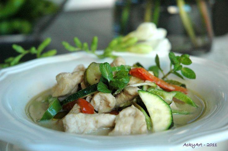 Kaeng Khiao Wan Nuea/Kai – Pollo Thai al curry verde e latte di cocco… 'per bene'