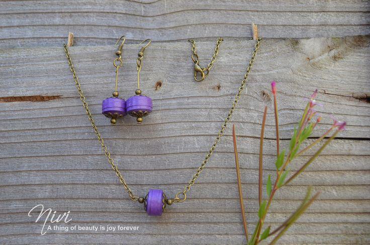 Quilled jewel set.