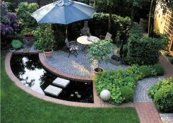 Interesting way to incorporate water into the design, arch and tangent patio