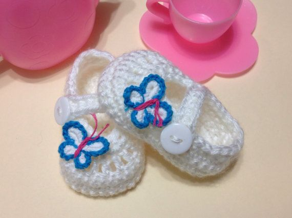 LAST ONE! white shoes booties with butterflies for baby girl. Size 0-3 months (shoe size 1-2). Great as gifts and photography props too! on Etsy, $11.00