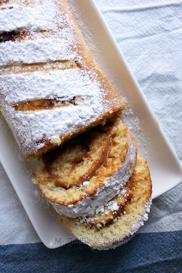 Recipe of Swiss Roll, a delicious cake filled with dulce de leche (milk caramel)