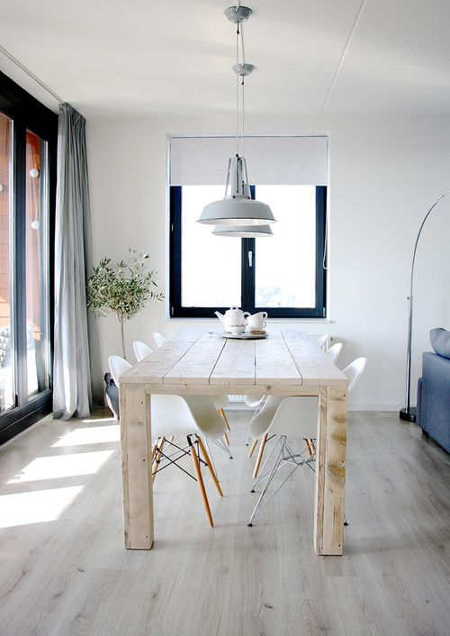 Un intérieur scandinave monochrome  Love this look so much, time for a change in our dining room