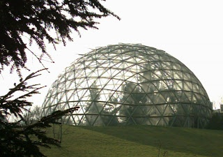 Geodesic Dome Greenhouse from geodesicdomegreenhouse.org