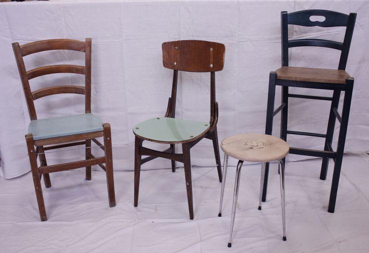 Sedie con recupero. Queste sedie sono state realizzate recuperando parti di varie sedute, ridandogli così una nuova vita.