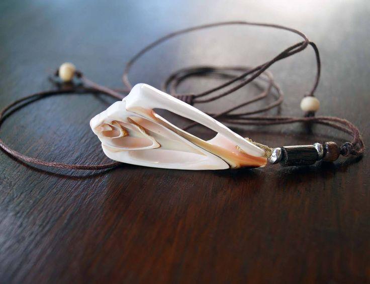 Unisex Shell Necklace, Boho Necklace, Men's Necklace, Surfer Jewelry by MAWUN on Etsy