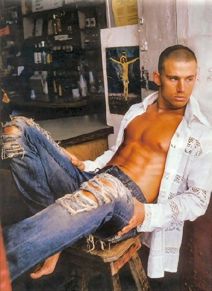 Channing Tatum...I can see why People Mag deemed him sexiest man alive. Just as long as he doesn't talk. ;)