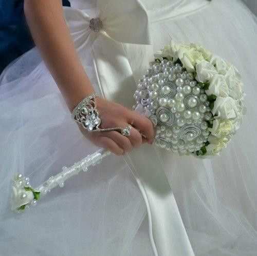 Accessoires - Hochzeit  Brautsträuße Les Perles - ein Designerstück von Wandadesign bei DaWanda