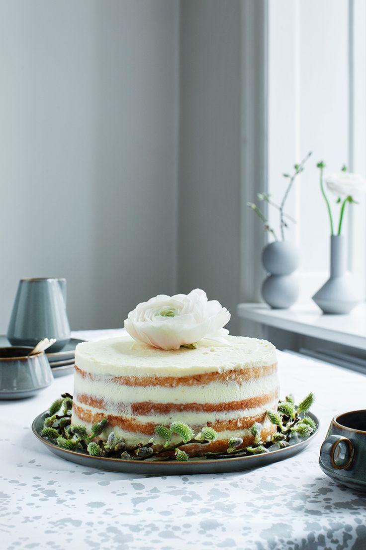 Lemon Cake with Marzipan with White Chocolate Mascarpone Frosting #recipe #modernwifestyle