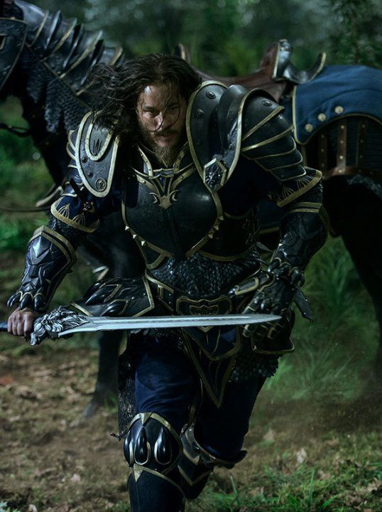 Still of Travis Fimmel in Warcraft (2016)