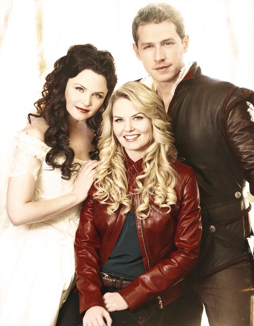 Once Upon A Time . Snow White , Prince Charming and Emma Swan. Mom, dad and daughter.