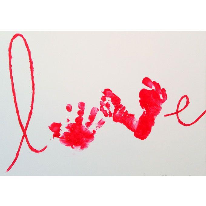 Vous avez sûrement dû voir passer sur les réseaux sociaux des Tableaux «LOVE» réalisés avec des empreintes de mains et de pieds de bébé. Ce [DIY & Activités Manuelles enfants] adapté aux tout-petits est très facile à réaliser. Matériel pour réaliser votre Tableau LOVE avec empreintes de mains et de pieds de bébé une feuille type Canson* ou un tableau …