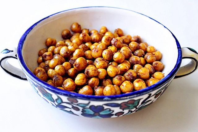 Moroccan Spiced Roast Chickpeas | Mostly Vegetarian | Pinterest