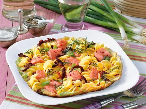 Nudel-Lachs-Omelett