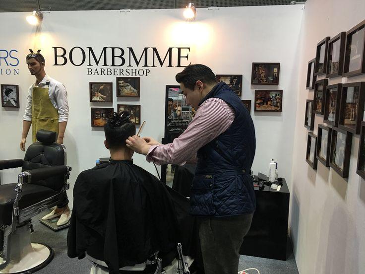 코엑스 bombmme&british barbers. 란조바버헤드&진바버 . . . . . . . . #밤므 #홍대바버샵 #홍대 #합정 #상수  #이발소 #란조 #남자머리 #korea #barbershop #conceptbarbershop #bombmme #ranjo #bombmmebarbershop #daily #hairstyle #instagram #instagood #✂️  @wahlpro @londonschoolofbarbering @reuzel @the_bloody_butcher @schorembarbier @savillsbarbers @frankiedesigns @barbershopconnect @worldbarbershops @andisclippers @officiallayrite @osterpro @showcasebarbers @barberlessons_ @blindbarber @suavecitopomade