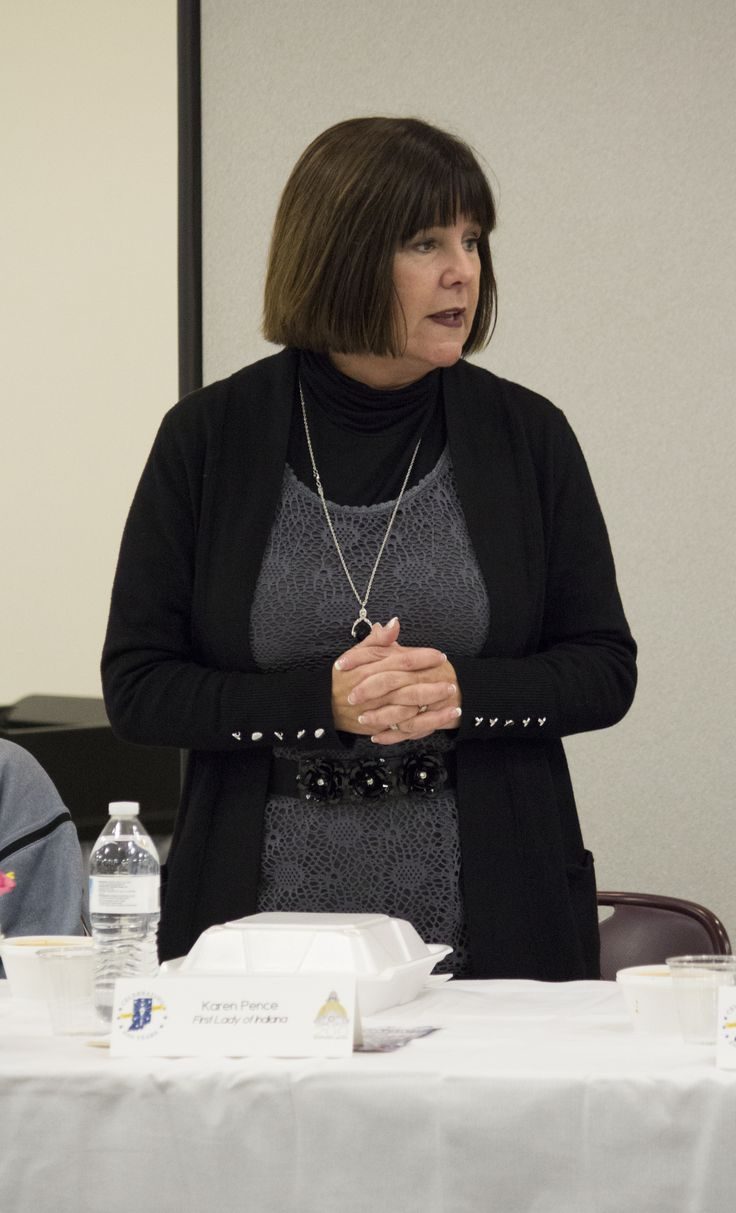 November 16, 2015: First Lady Karen Pence Visits the Vigo County Public Library for the Bicentennial Commission Meeting. #terrehaute2016