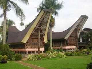 Rumah adat dari Provinsi Sulawesi Selatan
